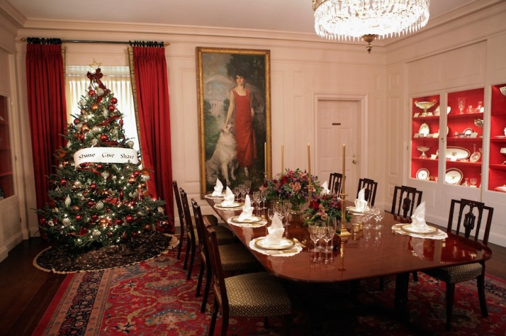 Michelle Obama Welcomes Military Families To White House To View Holiday Decorations