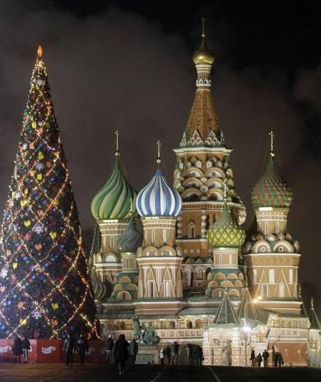 il-cremlino-illuminato